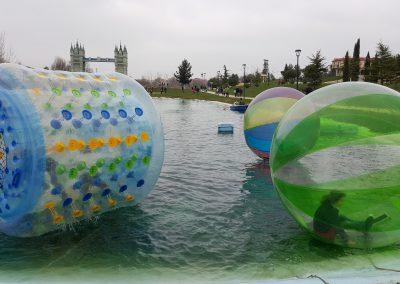 Bolas Acuáticas Zorbing Madrid Parque Europa multiaventura park cumpleaños colegios empresas