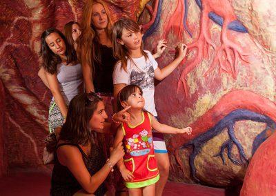 la_mujer_gigante_colegios_grupos_excursiones_escolares_educación_parque_europa_6